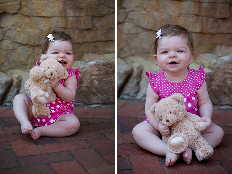 01-teddy-bear-park-stillwater-minnesota-one-yer-old-baby-girl-family-portrait-session-melanie-mahonen-photography