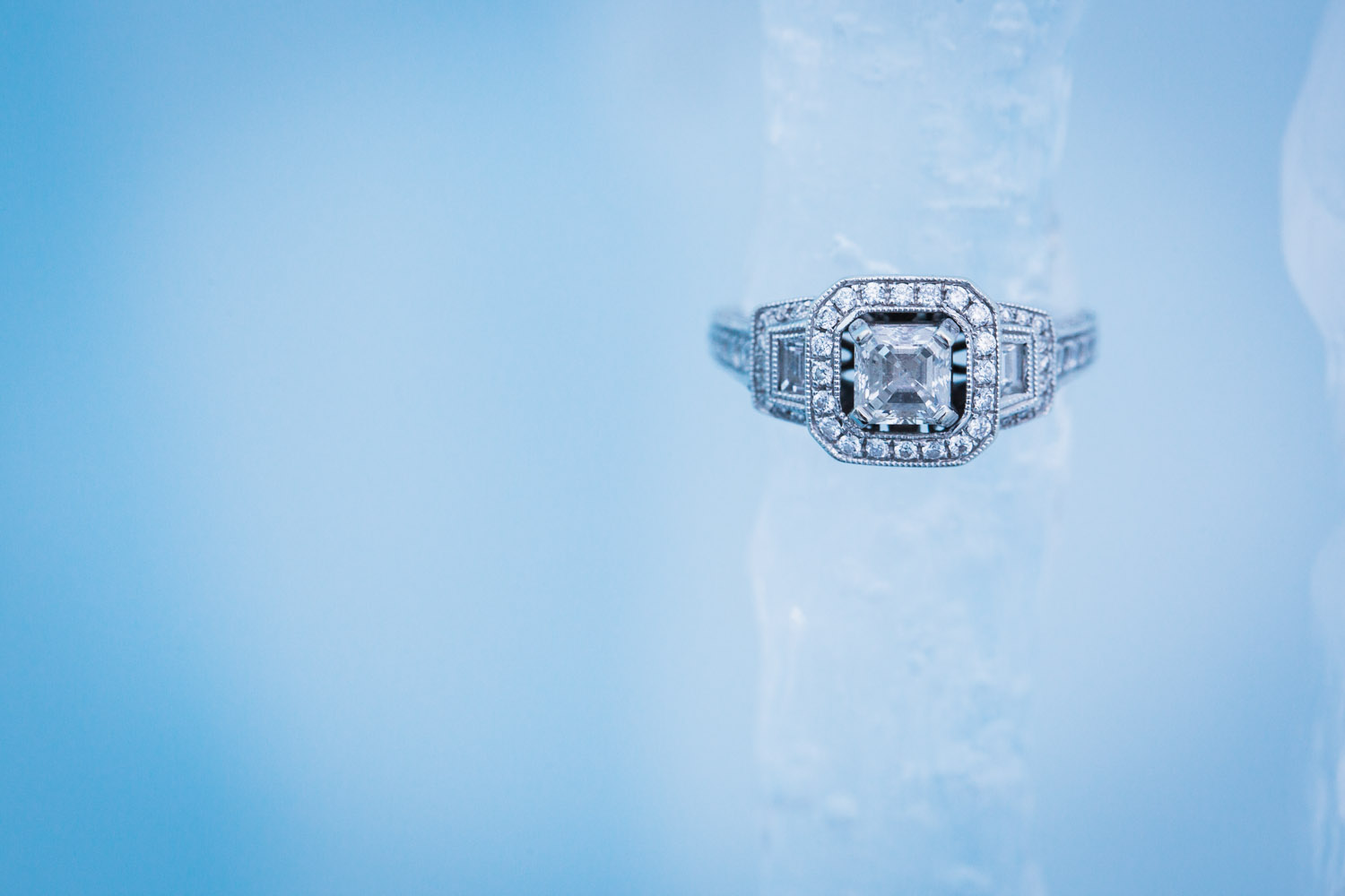 ice-castles-minnesota-stillwater-mn-engagement-ring-detail-shot-winter-icicles-mahonen-photography.jpg