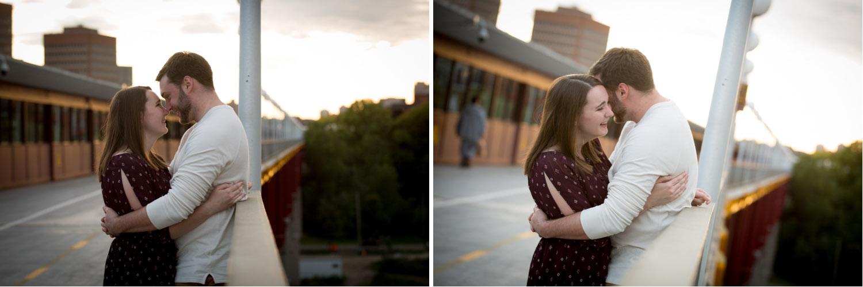 09-university-of-minnesota-minneapolis-west-bank-bridge-sunset-golden-hour-engagment-session-mahonen-photography.jpg