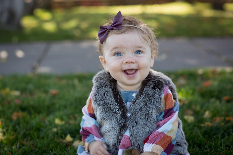 01-minnesota-fall-family-session-9-nine-month-old-girl-mill-city-minneapolis-mahonen-photography-01.jpg