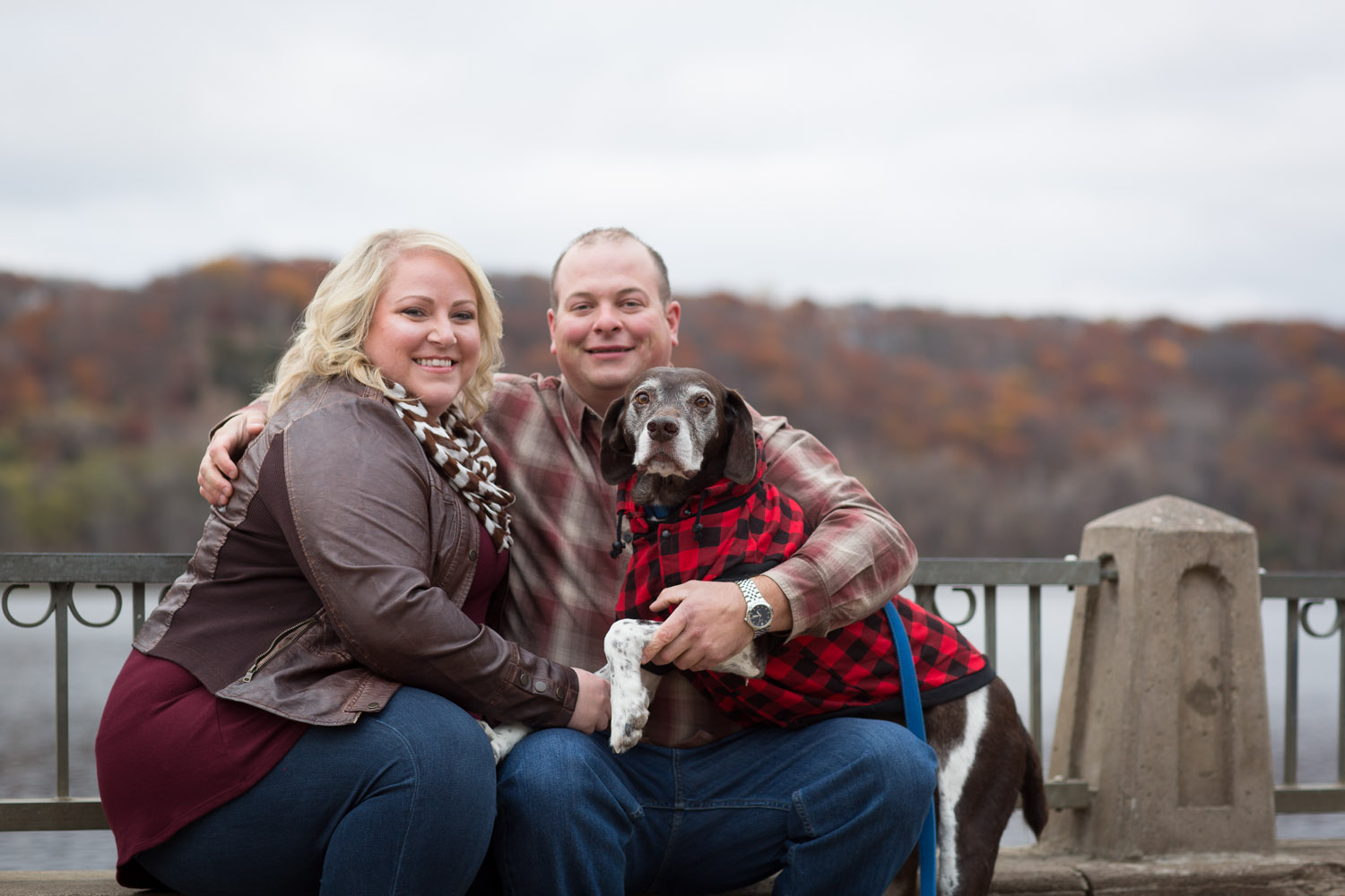 02-mississippi-river-downtown-stillwater-engagement-session-dog-mahonen-photography.jpg