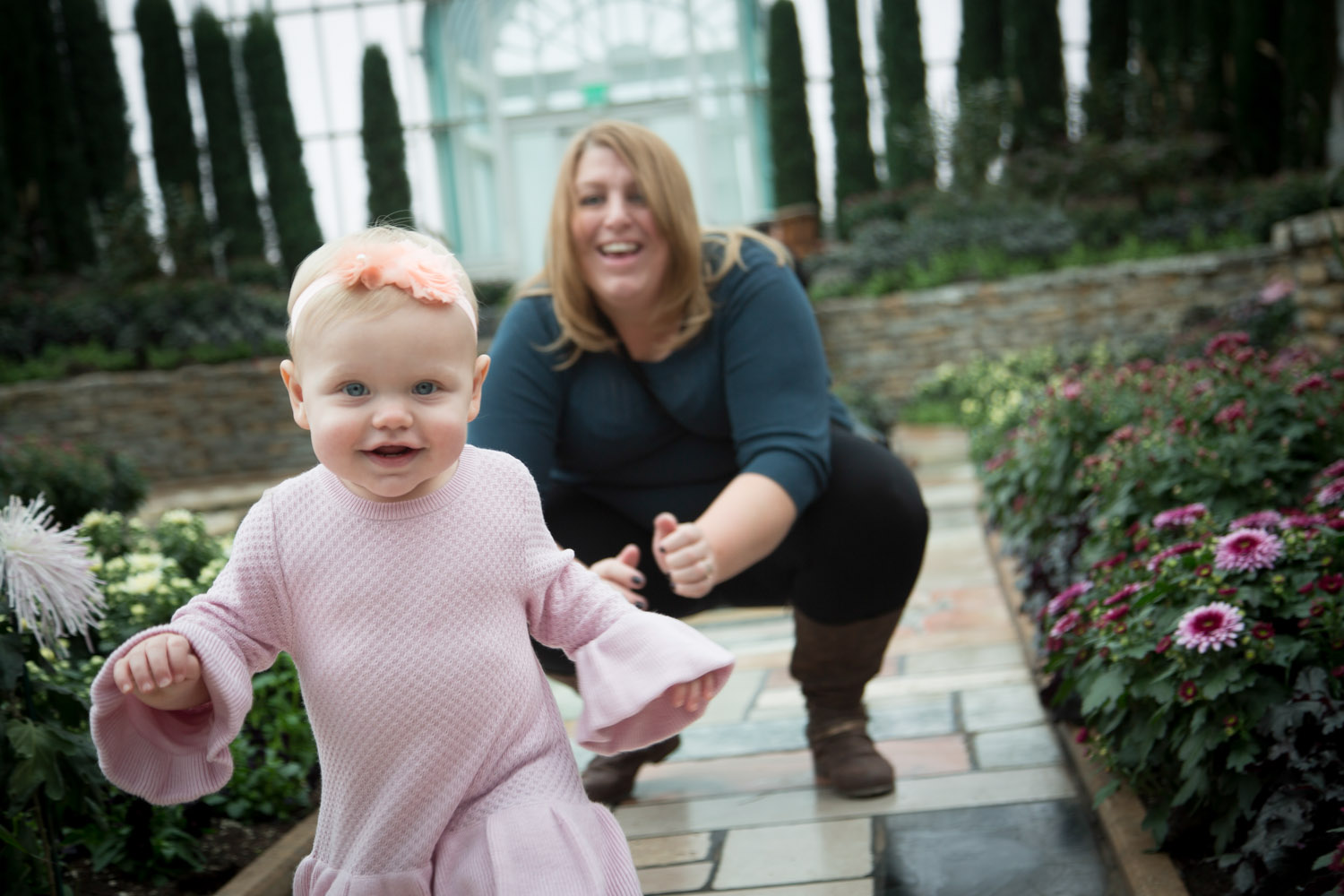 01-como-conservatory-family-photography-session-one-year-old-mom-and-daughter-busy-girl-mahonen-photography-01.jpg