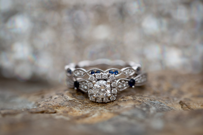 04-wedding-details-rings-mahonen-photography.jpg