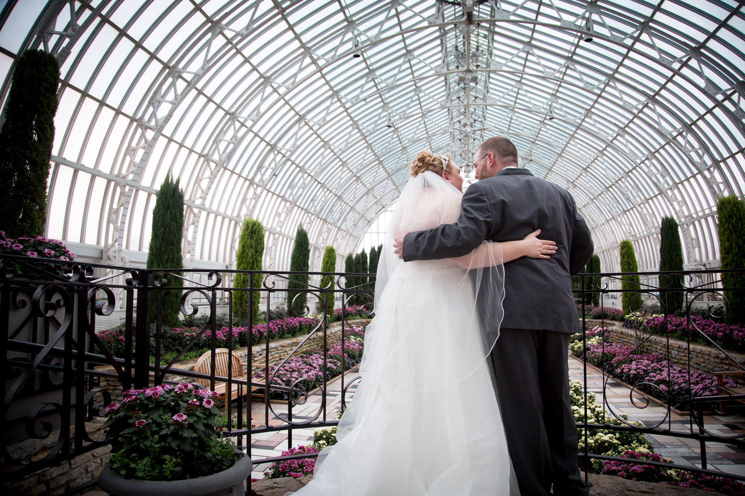 13-como-conservatory-wedding-day-bride-and-groom-portraits-st-paul-minnesota-mahonen-photography.jpg