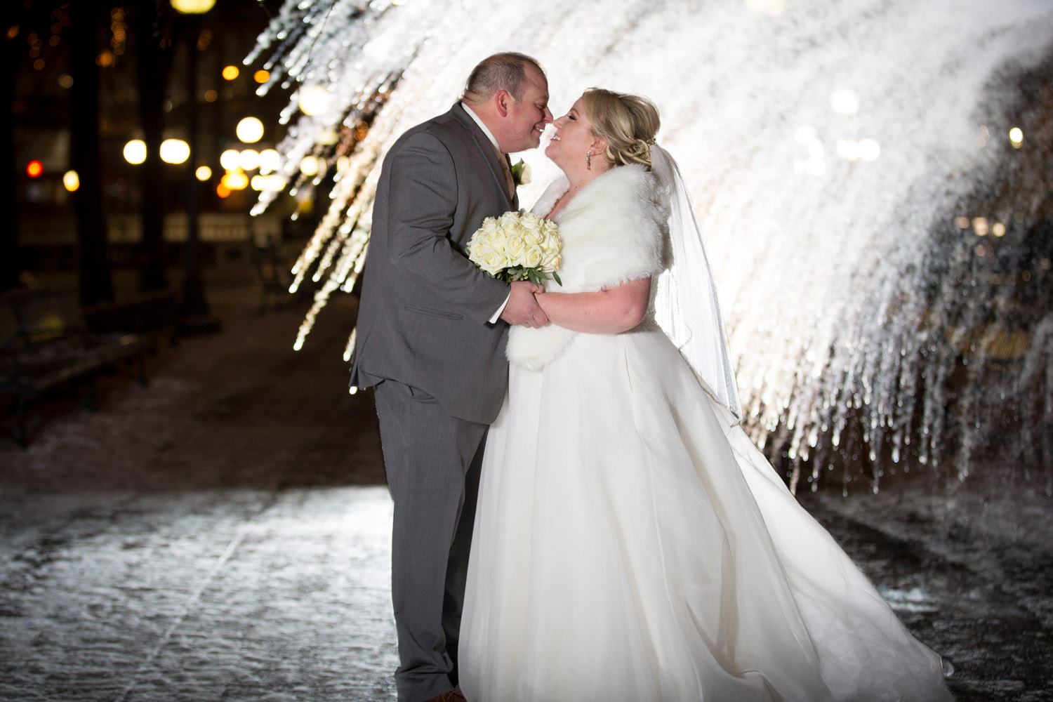 01-winter-wedding-night-photography-christmas-time-near-years-eve-wedding-NYE-frozen-water-rice-park-st-paul-hotel-minnesota-mahnen-photography.jpg