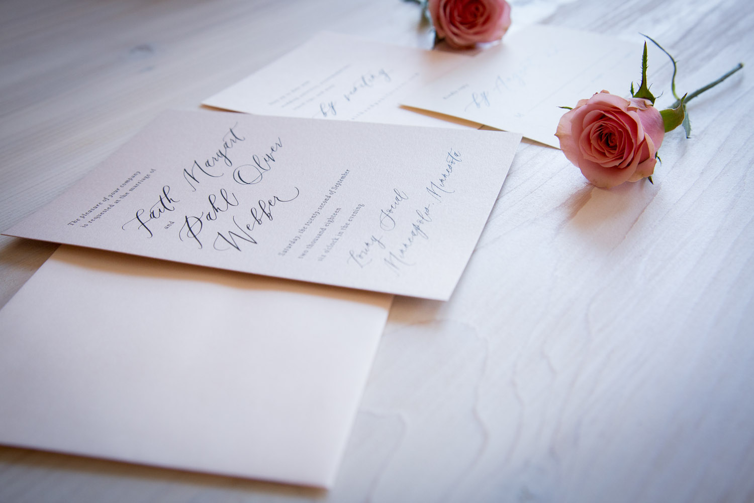 03-wedding-invitation-suite-pink-rose-script-champagne-press-mahonen-photography.jpg