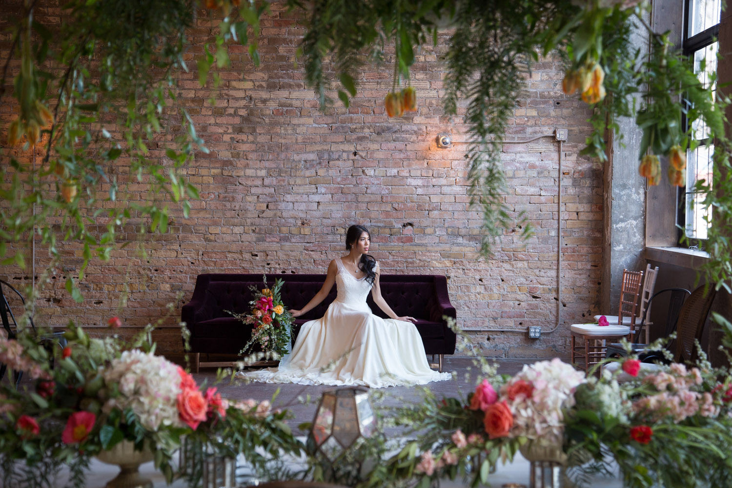 16-bride-floral-brick-wall-loring-social-minneapolis-minnesota-mahonen-photography.jpg