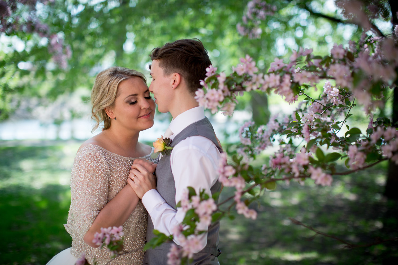 10-minnesota-springtime-spring-wedding-photographer-styled-shoot-cherry-tree-bride-and-bride-love-is-love-mahonen-photography.jpg