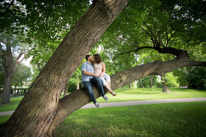 11-minnesota-summer-love-engagement-photographer-green-grass-trees-climb-a-tree-como-park-st-paul-mahonen-photography.jpg