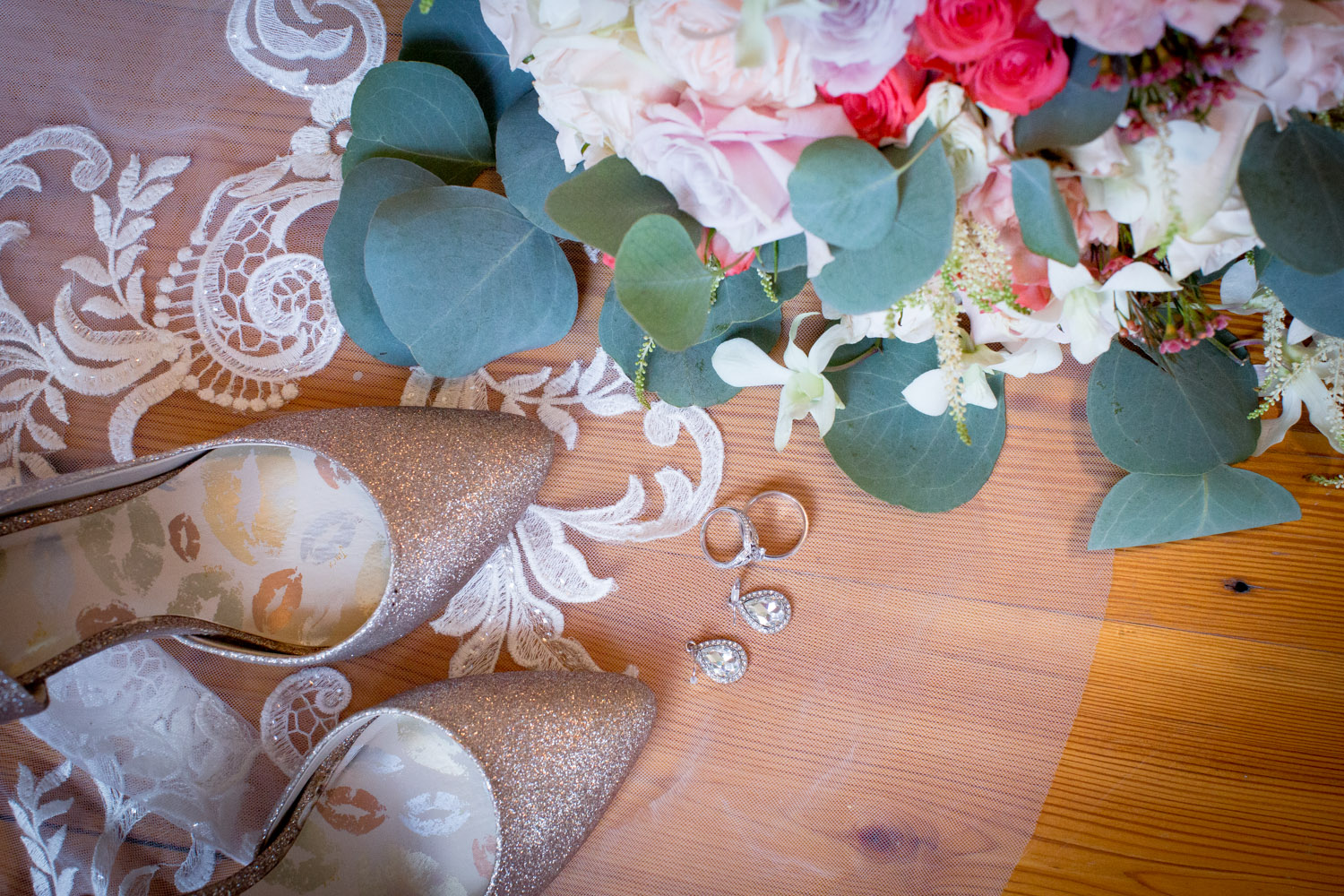 04-hotel-broz-new-prague-mn-minnesota-wedding-venue-photographer-styled-shoot-bridal-details-lace-hem-details-gold-glittery-shoes-victorian-themes-mahonen-photography.jpg