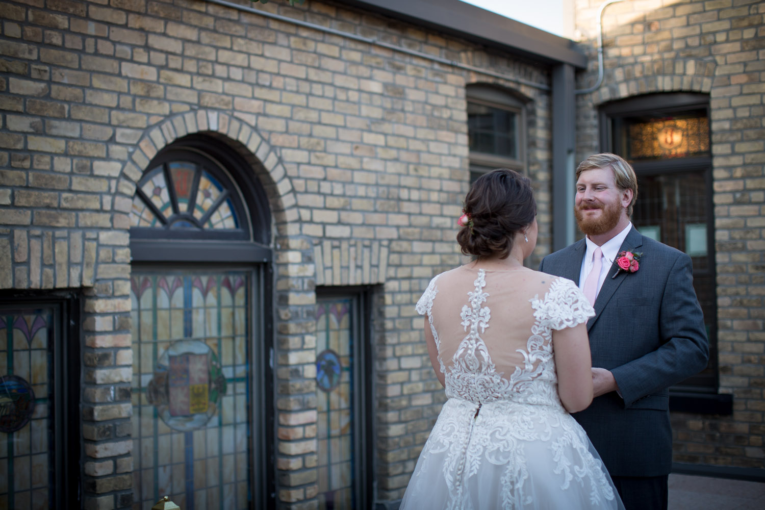 27-hotel-broz-new-prague-mn-minnesota-wedding-venue-photographer-styled-shoot-rooftop-ceremony-vows-mahonen-photography.jpg