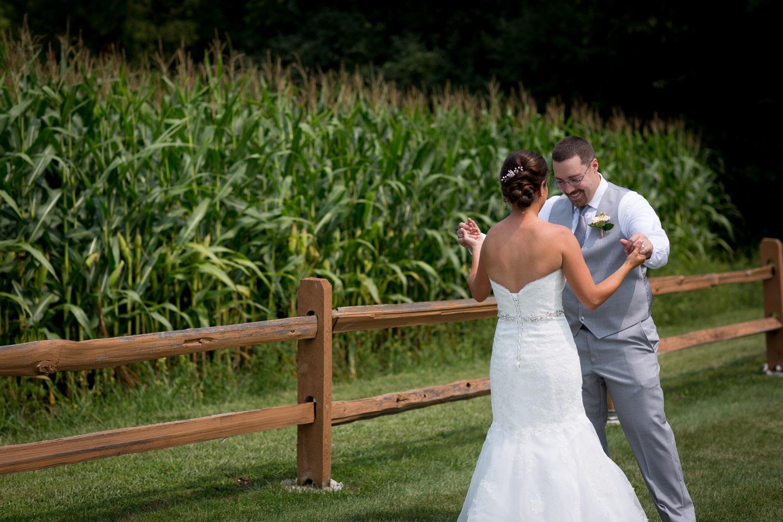 07-ridgetop-prescott-wisconsin-wedding-photographer-bride-groom-first-look-corn-field-rustic-fence-mahonen-photography.jpg