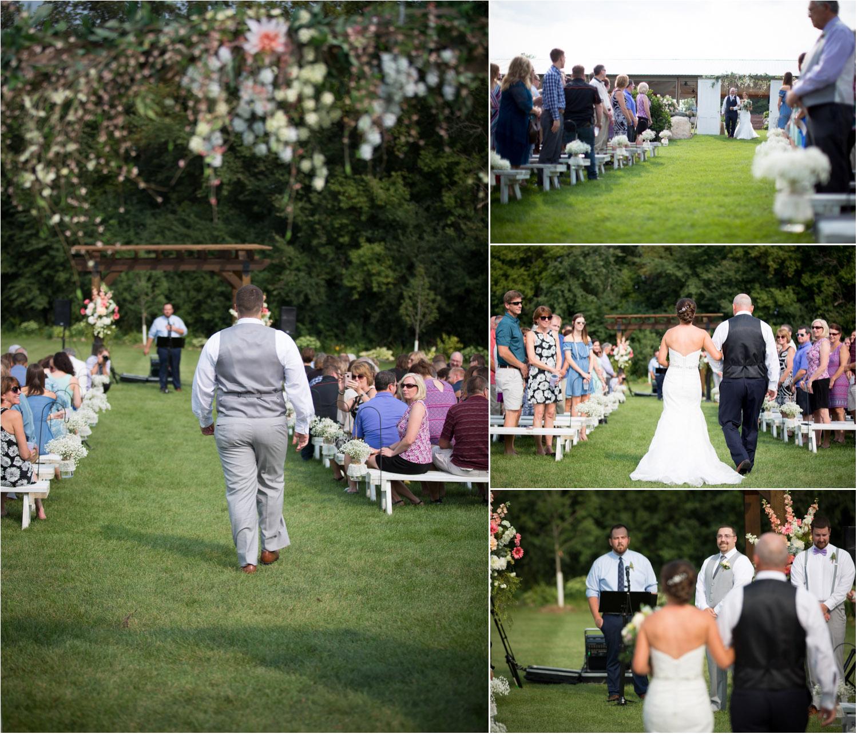 19-ridgetop-prescott-wisconsin-wedding-photographer-rustic-farm-cornfield-ceremony-mahonen-photography.jpg