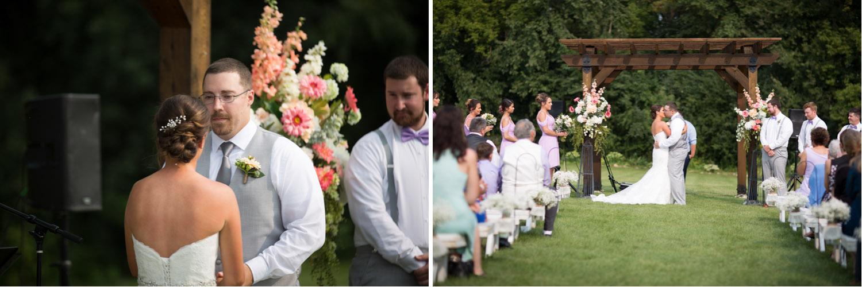 21-ridgetop-prescott-wisconsin-wedding-photographer-rustic-farm-cornfield-ceremony-first-kiss-mahonen-photography.jpg