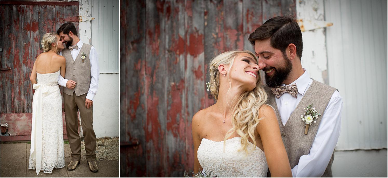 07-dellwood-barn-minnesota-wedding-photographer-farm-real-bride-groom-portraits-weathered-red-door-mahonen-photography.jpg