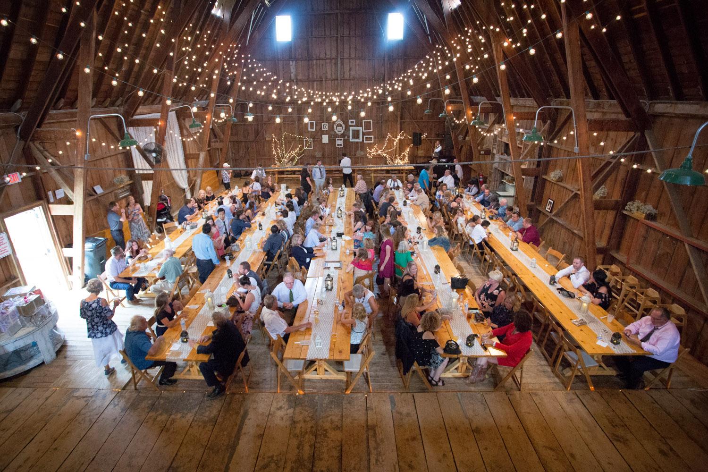 25-dellwood-barn-weddings-minnesota-wedding-photographer-summer-reception-mahonen-photography.jpg