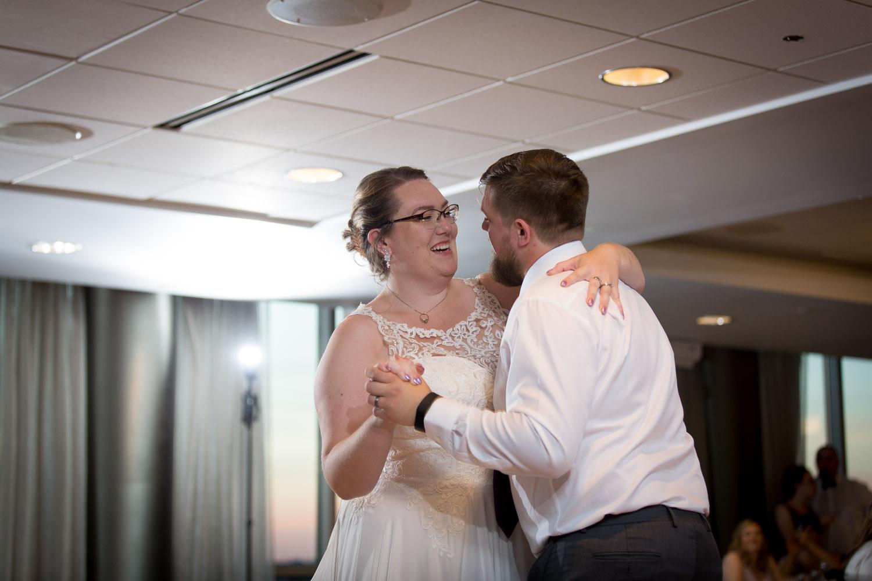 25-university-of-minnesota-campus-club-wedding-photographer-reception-bride-groom-first-dance-mahonen-photography.jpg