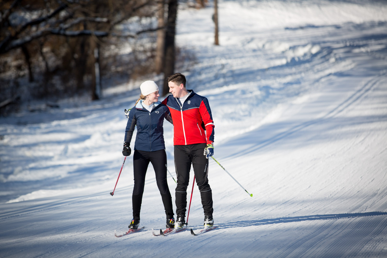 11-minnesota-winter-wonderland-mn-engagement-photographer-theodore-wirth-park-nordic-xc-ski-photos-mahonen-photography.jpg