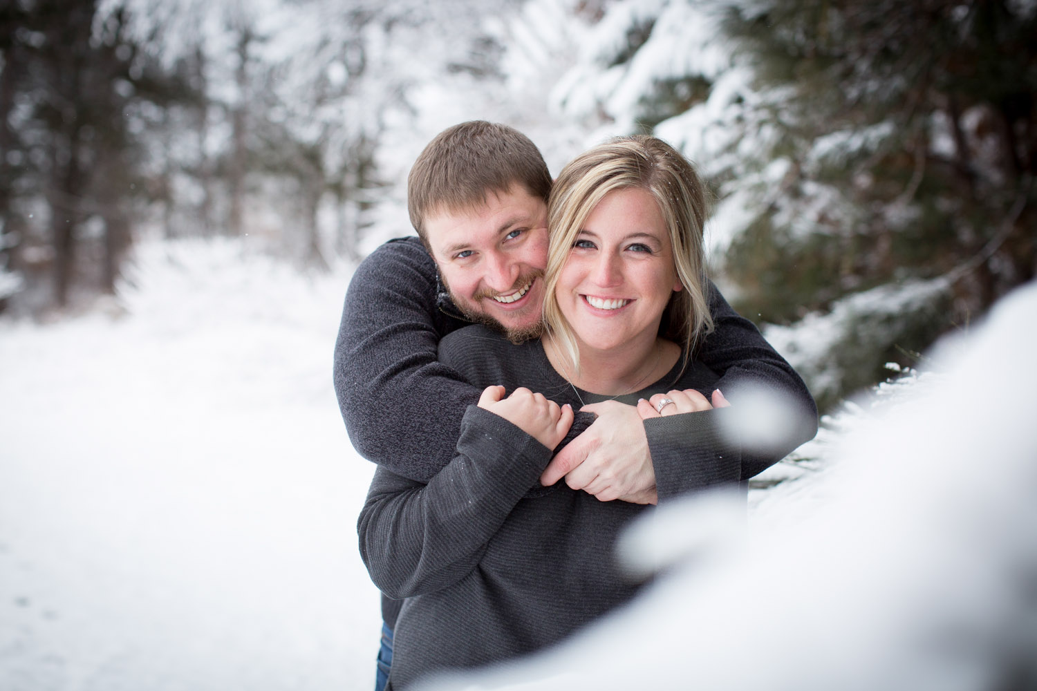 12-bunker-hill-regional-park-winter-wonderland-minnesota-engagement-photographer-snowy-day-fun-photo-session-mahonen-photography.jpg