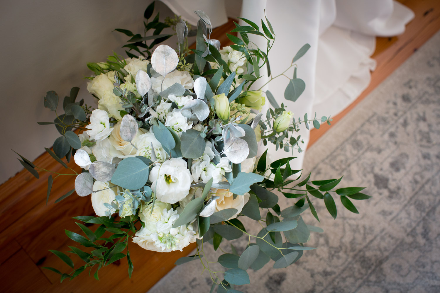 02-winter-brunch-morning-weddings-at-the-broz-new-prage-mn-details-bridal-boquet-white-roses-eucalytus-mahonen-photography.jpg