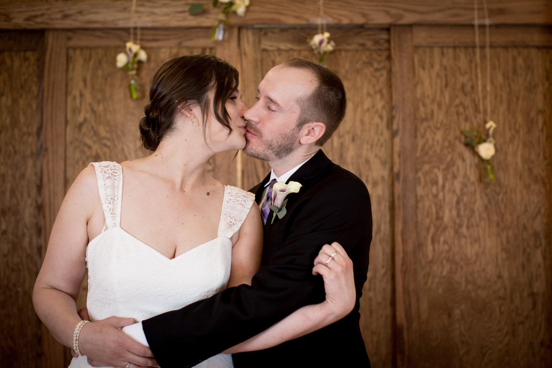 02-cornerstone-studios-wedding-professionals-small-events-bride-groom-portraits-mahonen-photography.jpg