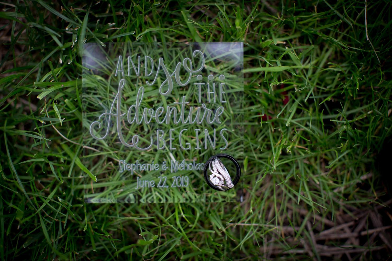 14-northern-minnesota-summer-lake-wedding-detils-ring-macro-shot-the-adventure-begins-mahonen-photography.jpg