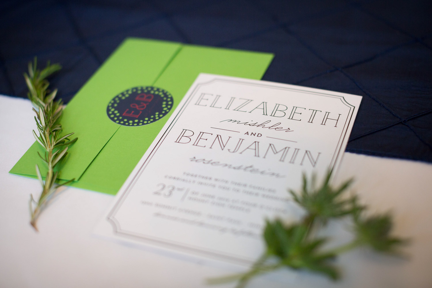 11-mount-zion-jewish-temple-wedding-day-details-invitation-suite-mahonen-photography.jpg