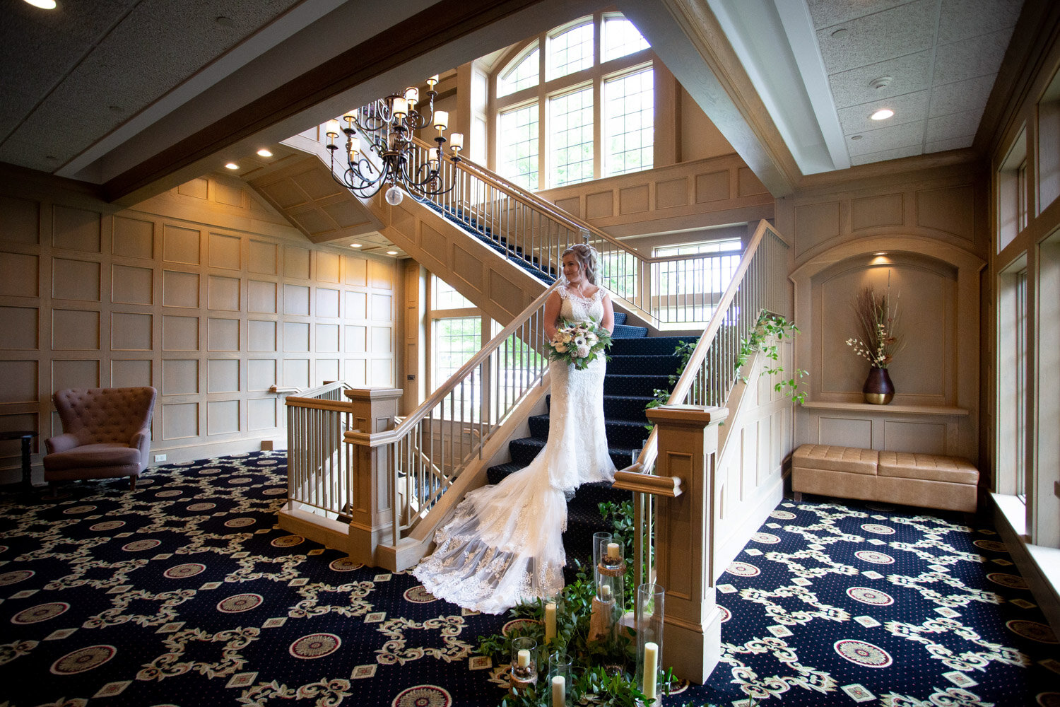 07-rush-creek-golf-course-bridal-portrait-grand-staircase-mahonenphotography-mn-wedding-photographer.jpg
