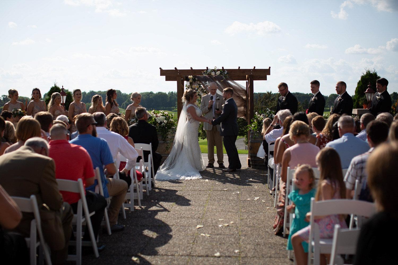 21-rush-creek-golf-course-details-outdoor-ceremony-arbor-mahonenphotography-mn-wedding-photographer.jpg