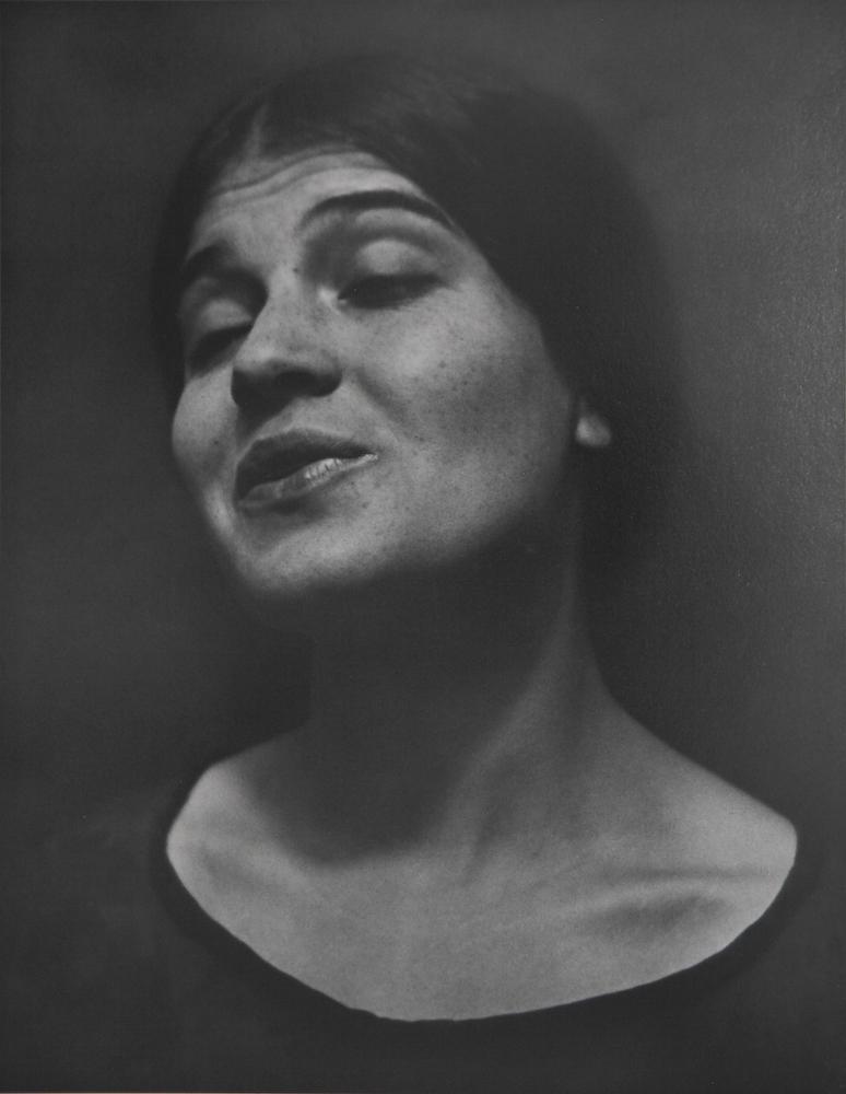 """""""Tina Reciting"""" (1924)   Edward Weston"""