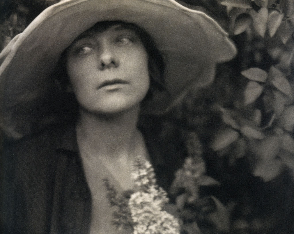 Margrethe in Garden (1915) - Edward Weston