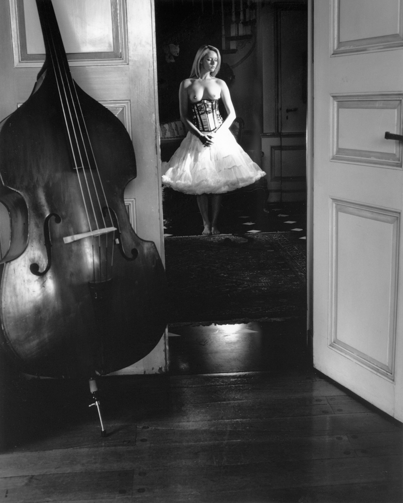 Nude and Cello