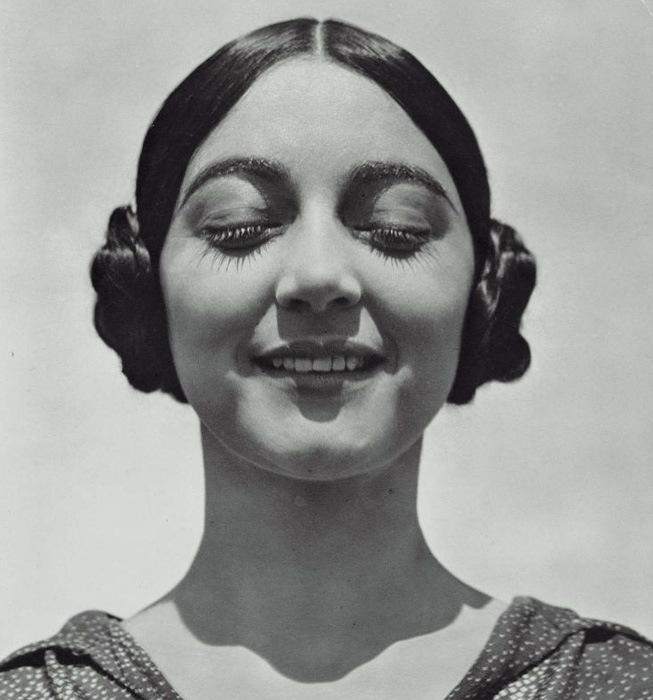 Rose Roland de Covarrubias by Edward Weston ©Center for Creative Photography