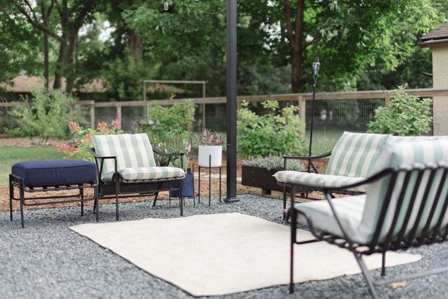 Our patio project is finally complete! It feels like my vision for this space has been in my head forever, so to actually have it done and enjoy it is incredible. I love waking up and going and sitting on the patio to drink my coffee, so relaxing. Now we can truly enjoy our backyard and the wonderful ambiance around us! • #mn #minnesota #patio #patioproject #patiodecor #homeandgarden #nikon #patiolove #nature