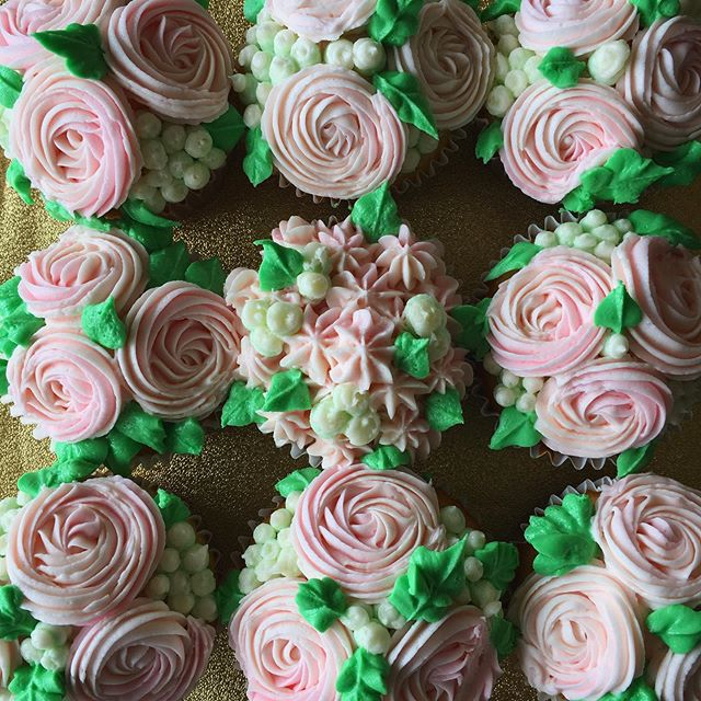Floral Bouquet Cupcakes are perfect for any dessert table, event or brightening someone's day! Even better, you can custom order them in different colors, flavors or style types to make them completely unique! Email for more details on ordering. Happy Friday! ❤️ . . . #floral #cupcakes #custom #dessert #desserttable #treatyoself #specialorder #event #catering #bakery #yummy #cafe #coffeeshop #shoplocal #shopsmall #sandiego #smallbusiness