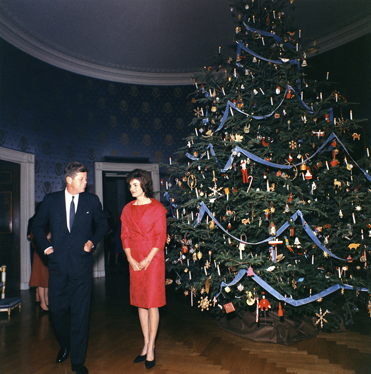John F. Kennedy and Jackie Kennedy with the 1962 White House Christmas Tree