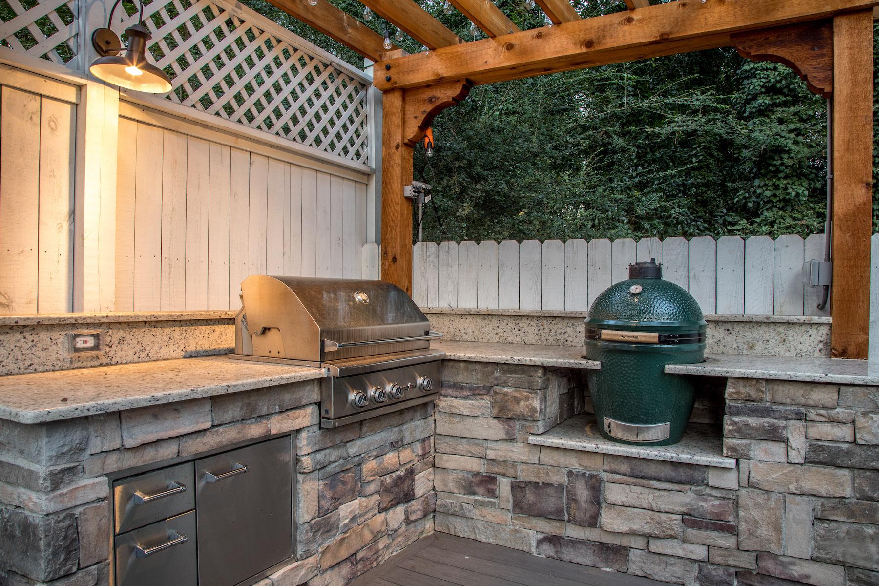 smyrna-ga-builder-pergola-big-green-egg-table-rock-outdoor-kitchen