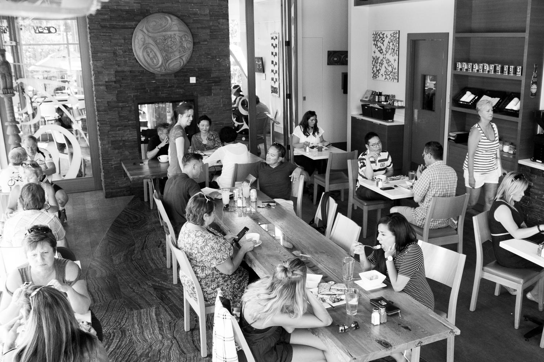 2016-09-15 busy cafe-1.jpg