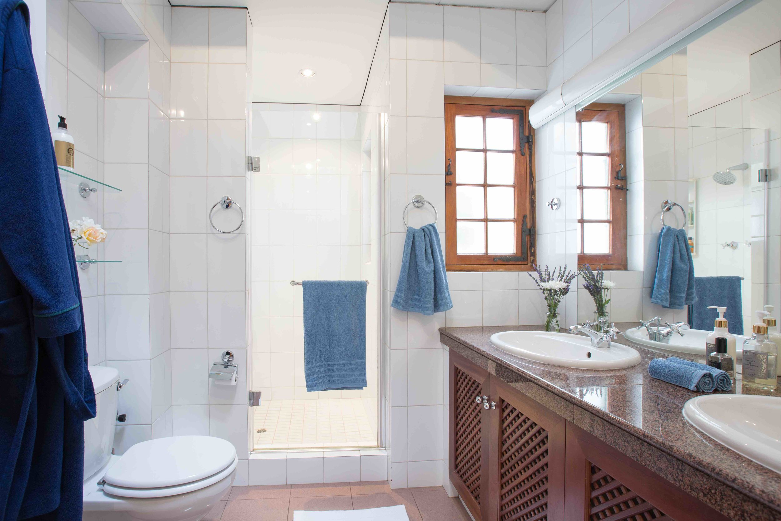 Large ensuite bathroom