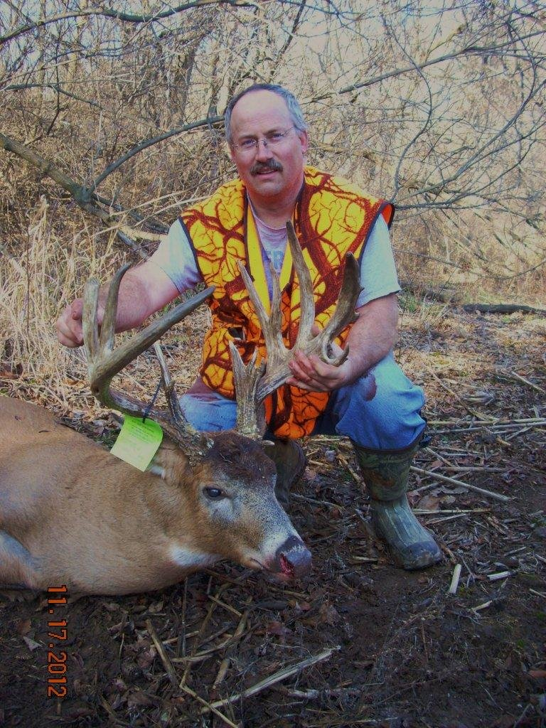 Paul Keller with his 18 point buck that was taken from the ground!