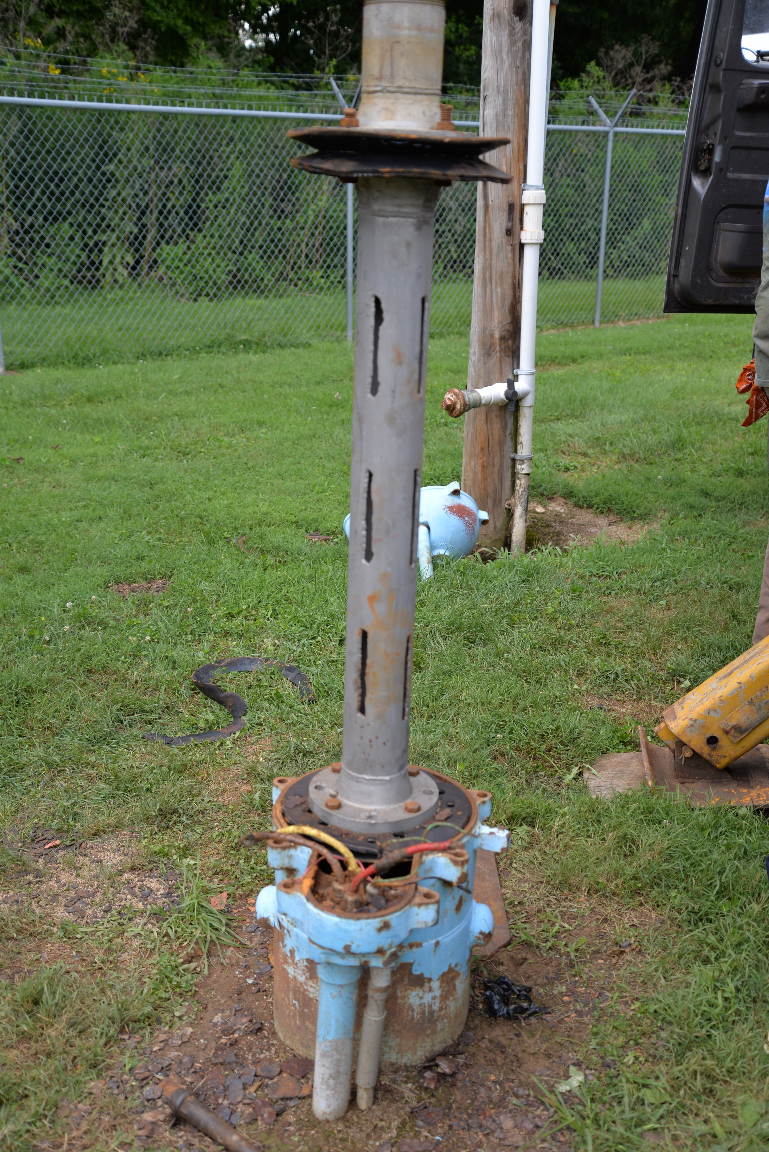The above image is a close-fitting stainless steel surge block that is used to rehabilitate a well.
