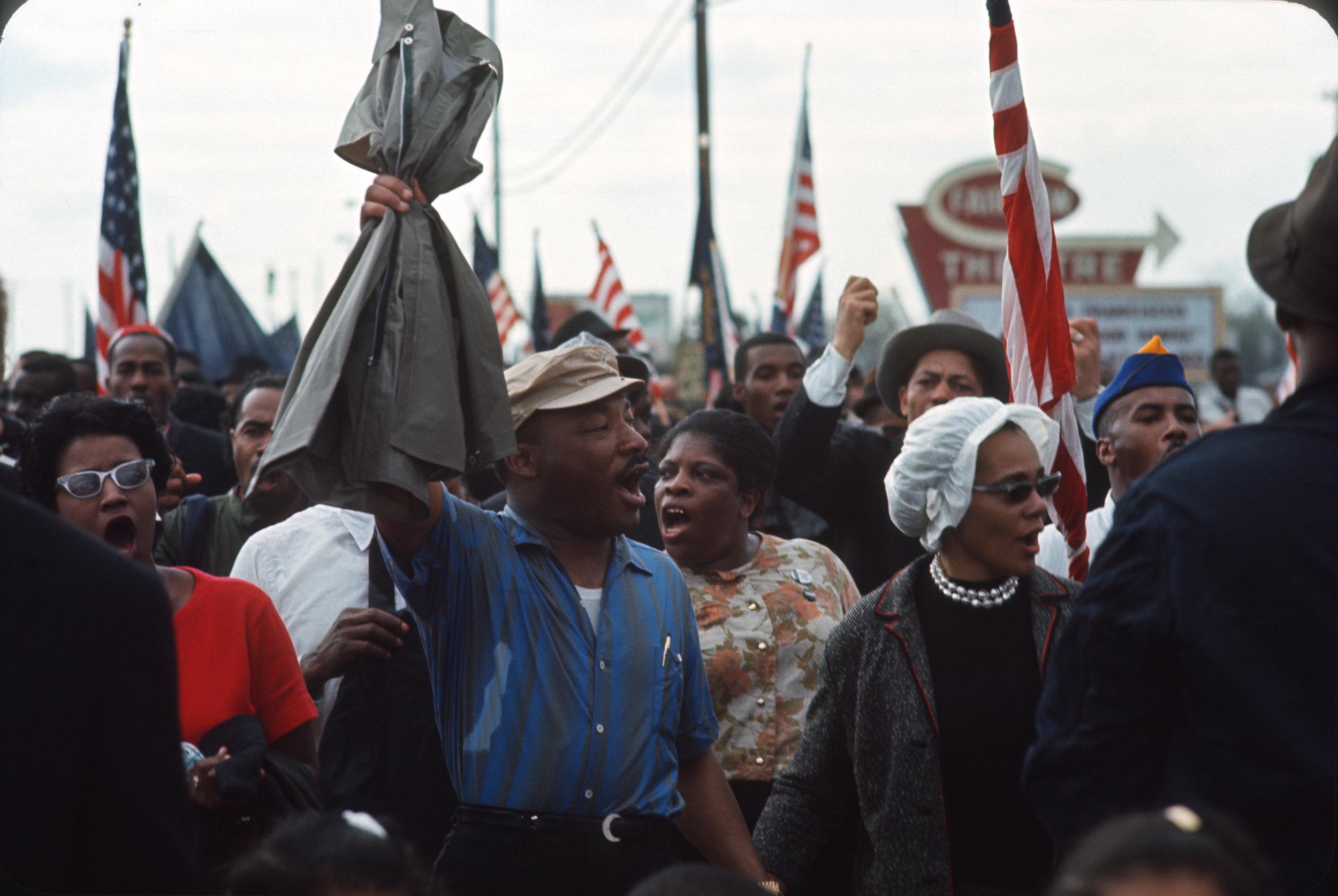 Martin Luther King and Coretta on Selma march Pettus Bridge March 21, 1965