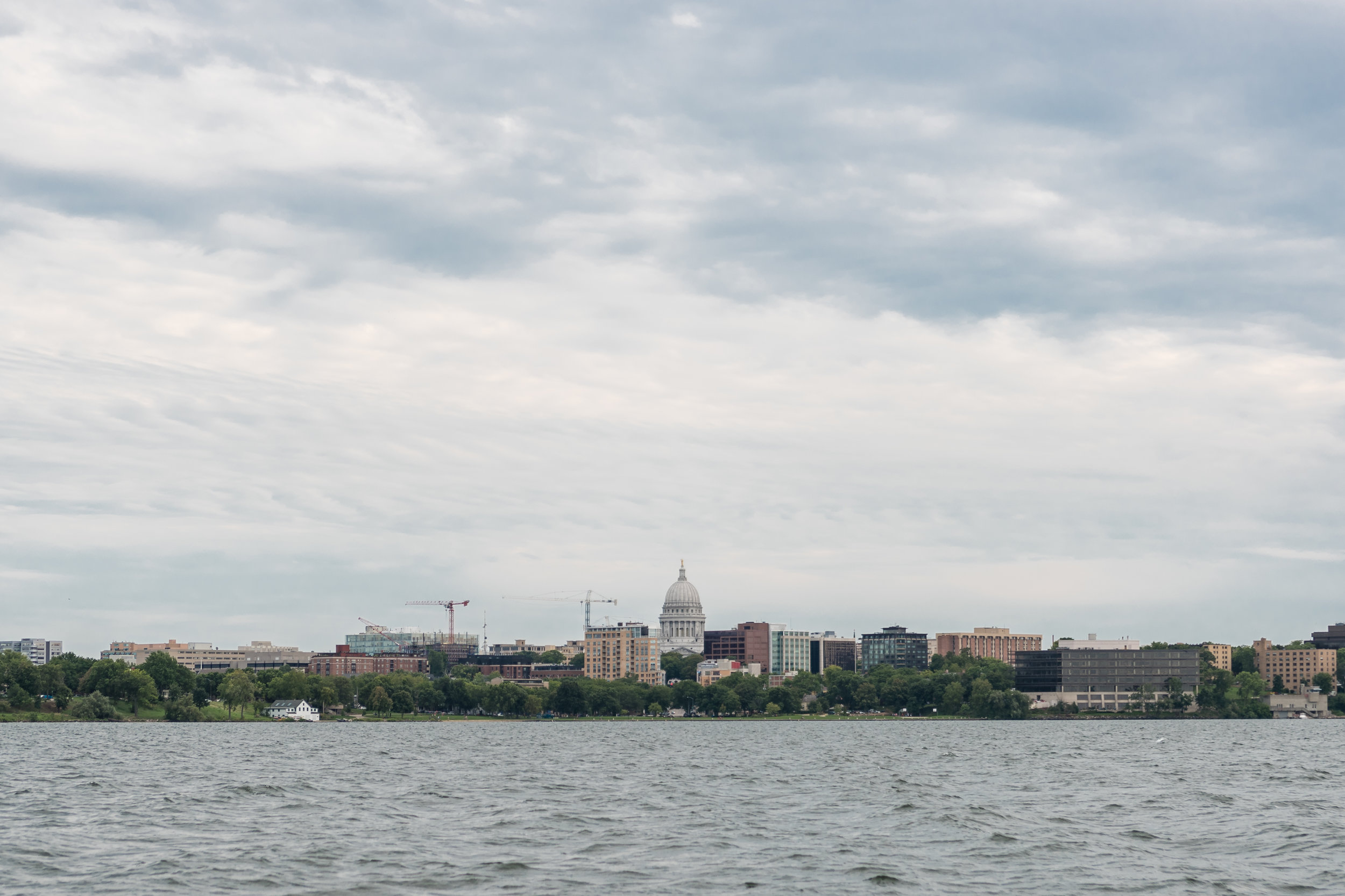 Madison_Capitol_Lake_Mendota.jpg