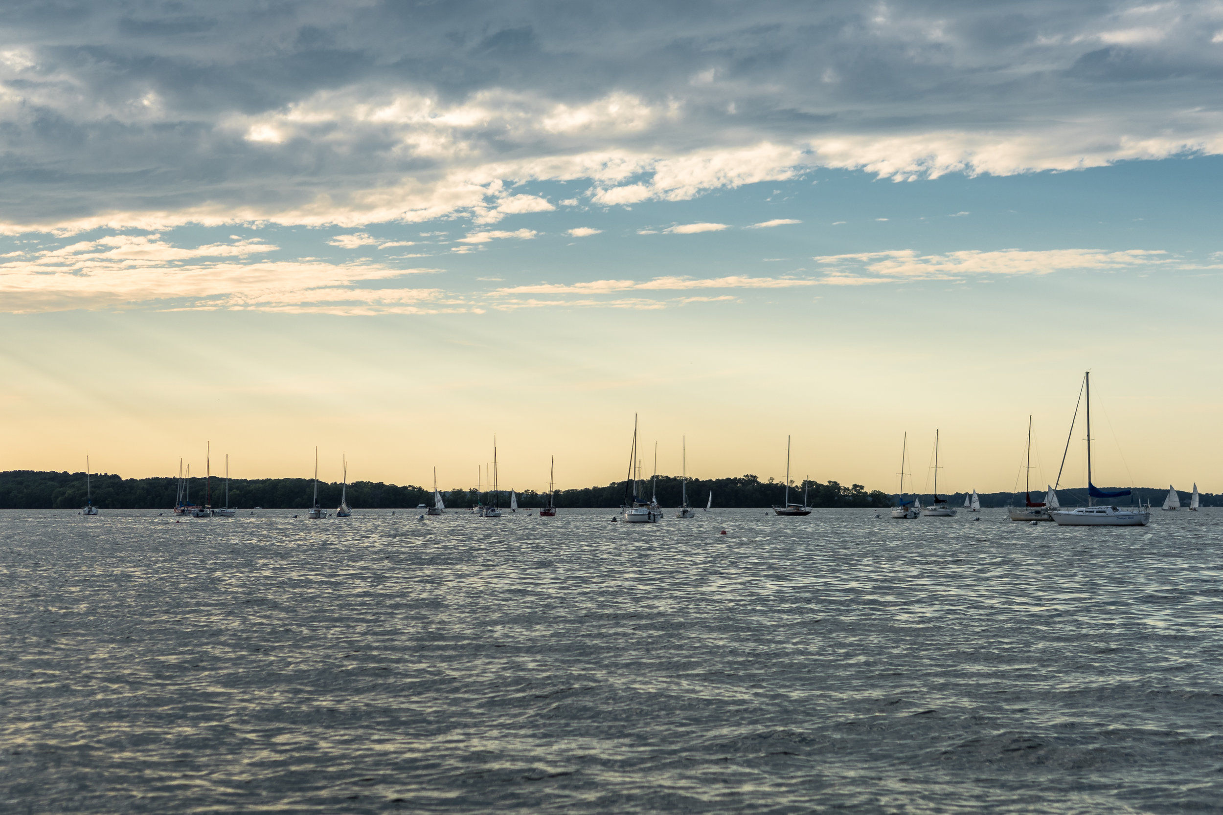 Sail_Boats_Lake_Mendota.jpg