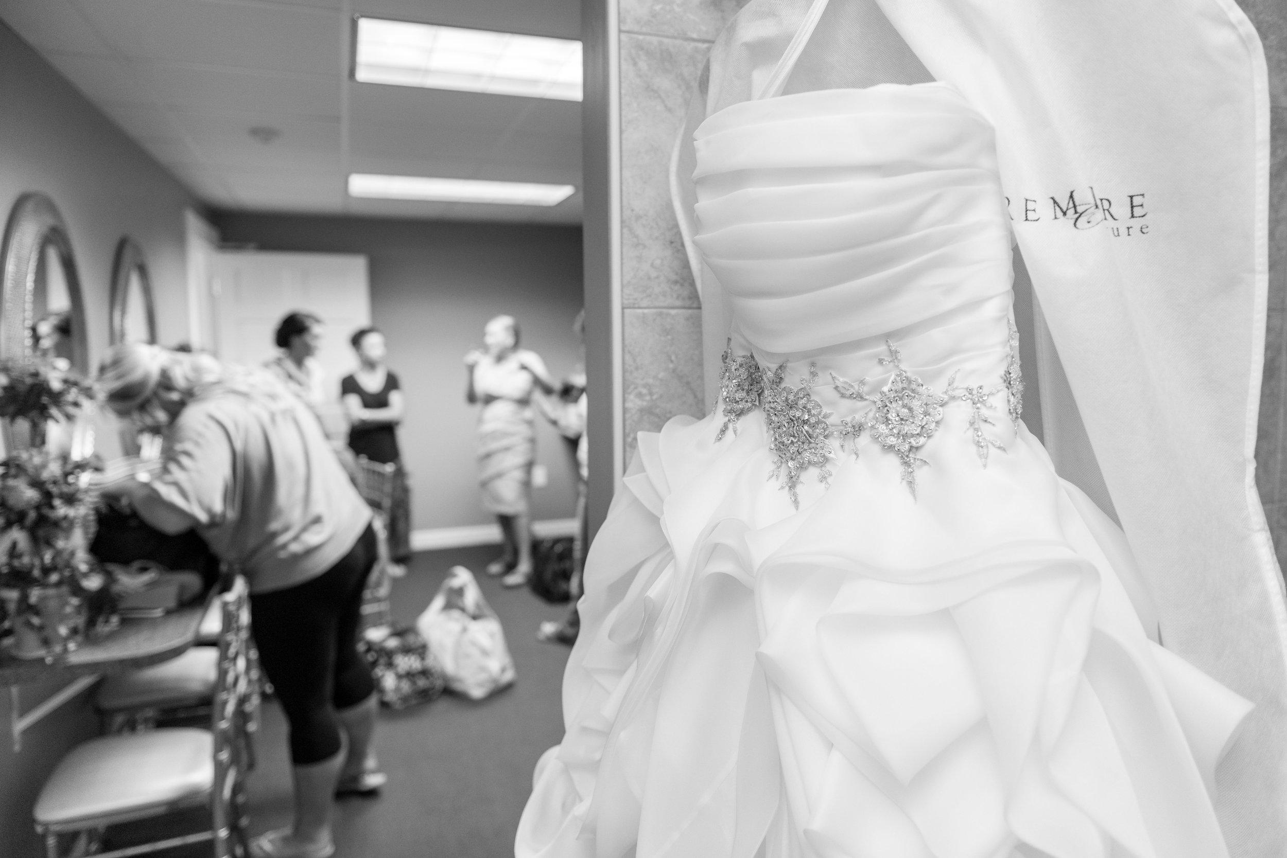 E&B Wedding Day-20 B&W.jpg