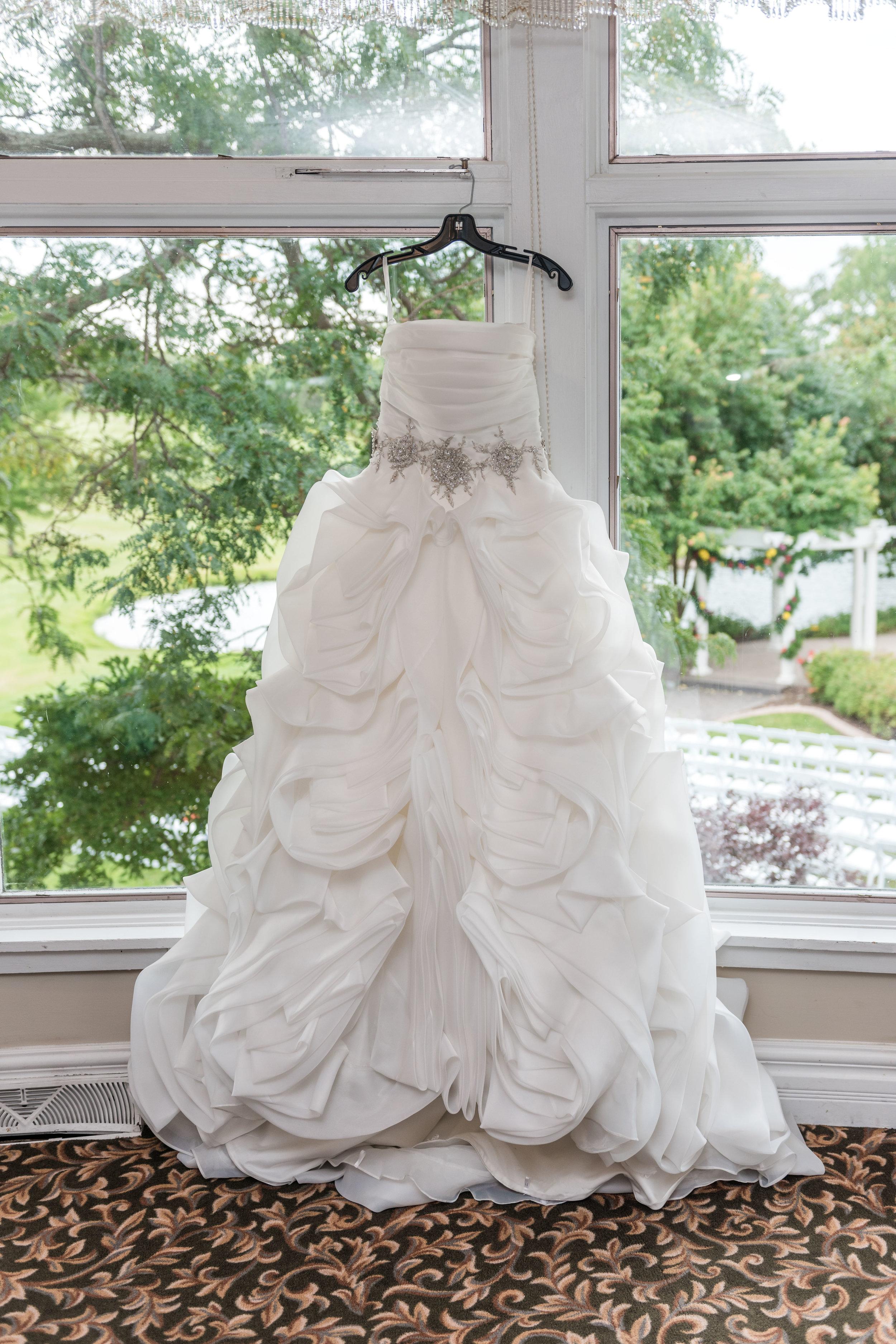 E&B Wedding Day-23.jpg
