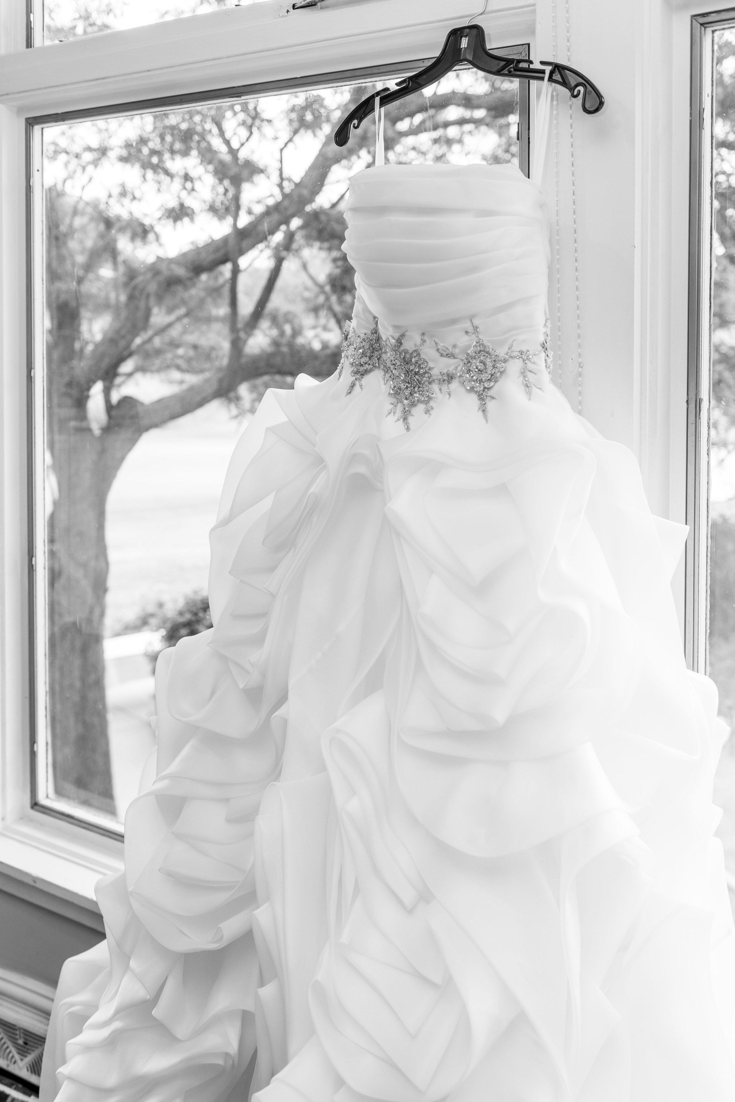 E&B Wedding Day-25 B&W.jpg