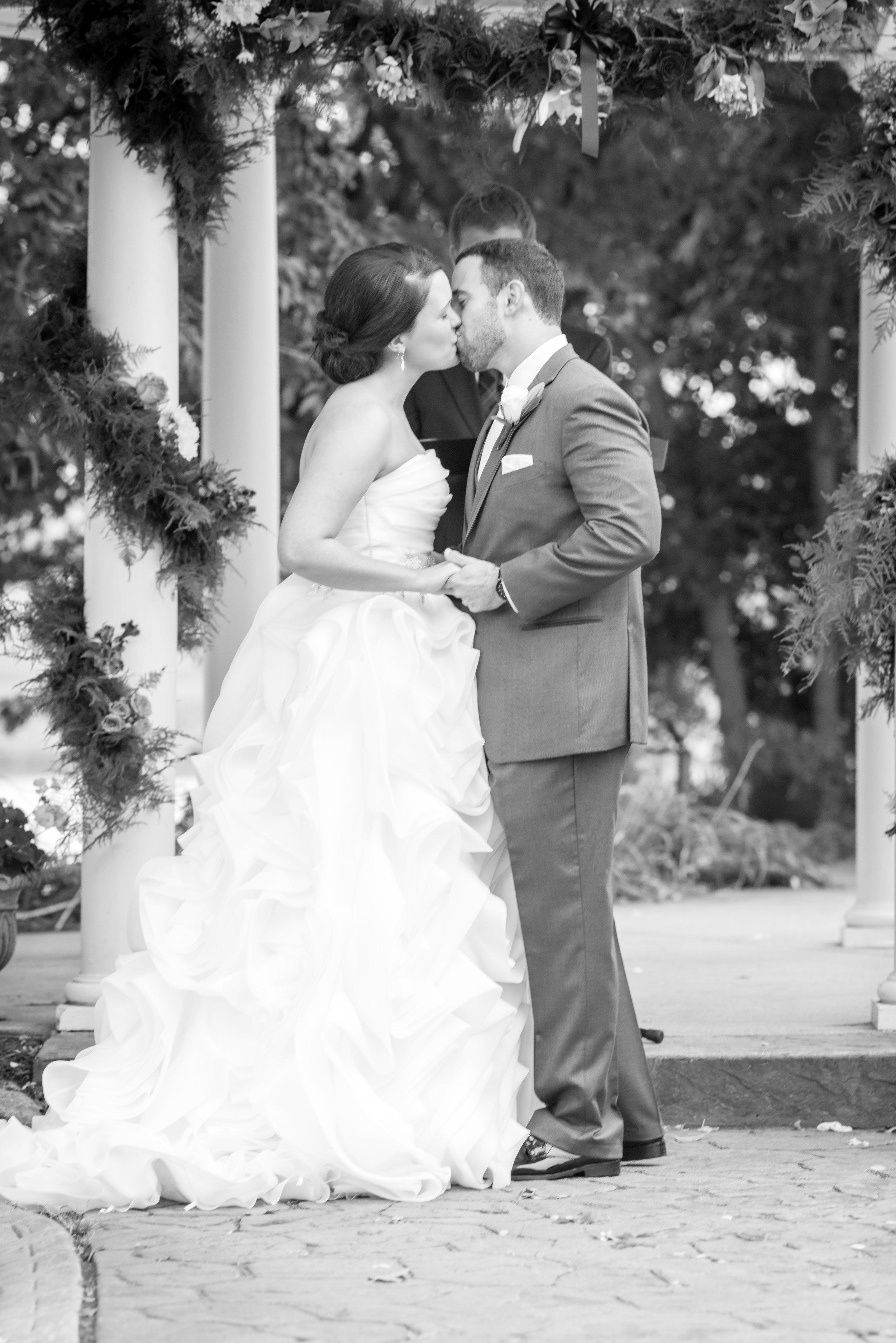 E&B Wedding Day-192 B&W.jpg