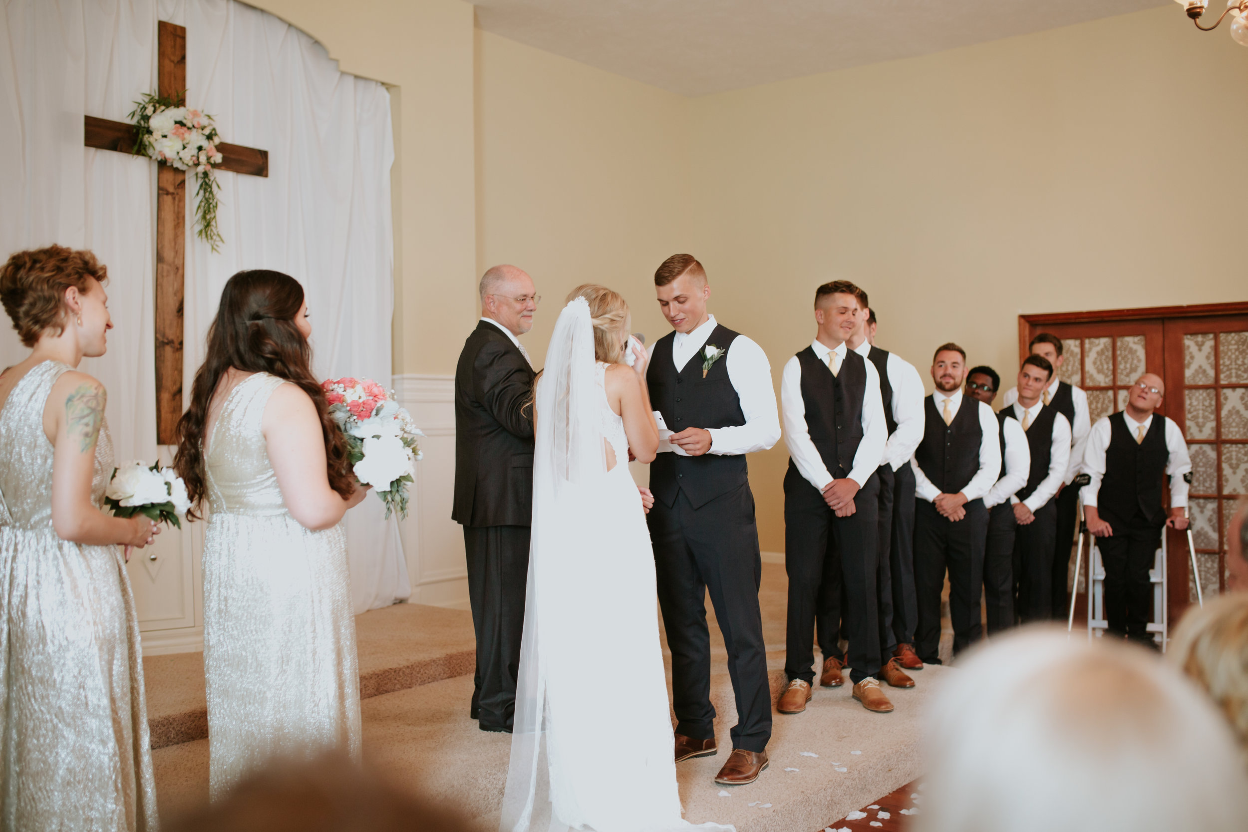 heritage-chapel-st-louis-wedding-photographer-39