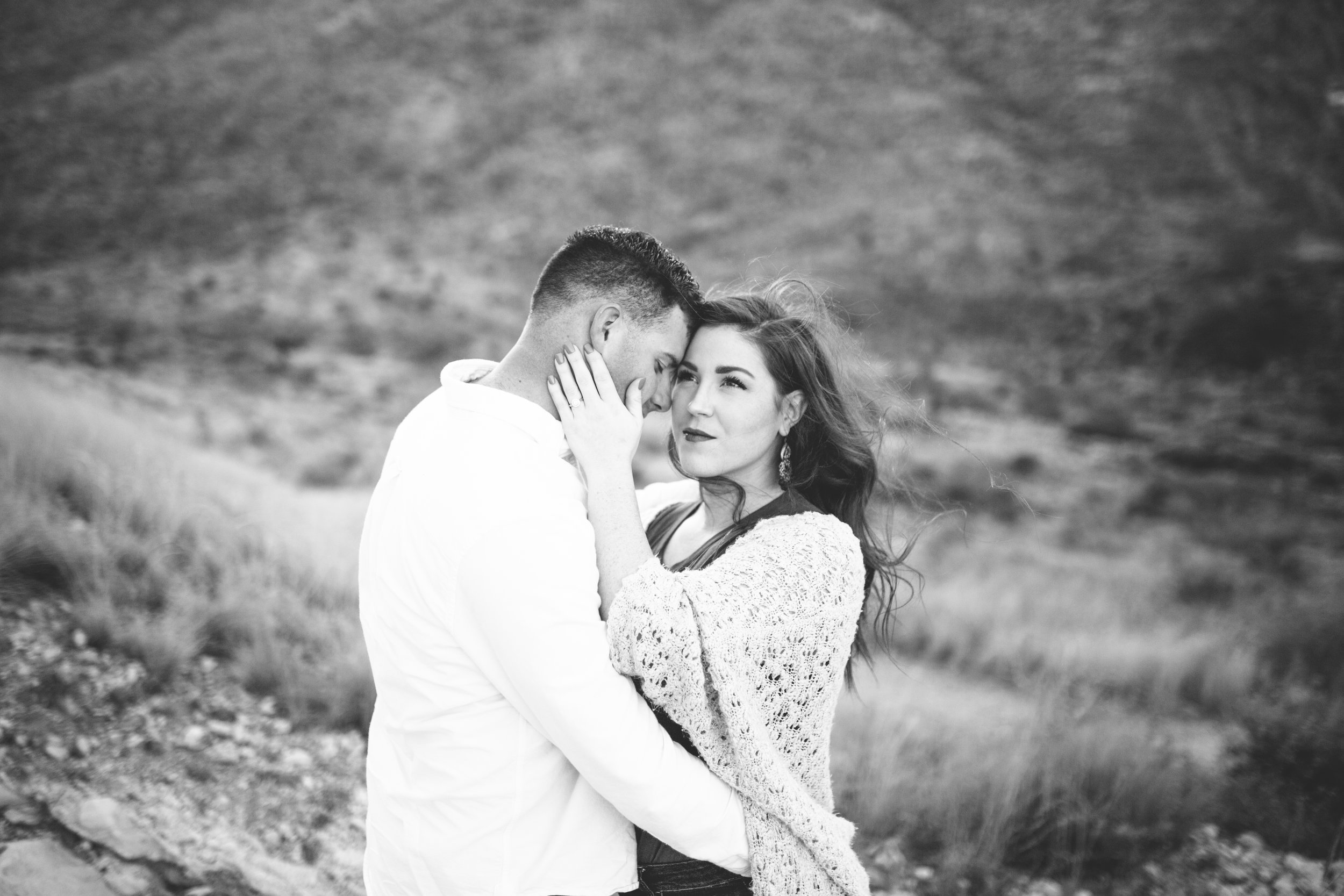 franklin-mountain-el-paso-engagement-sparrow-and-gold-photography-1